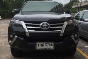Rent outlander with driver in Thailand Toyota Fortuner