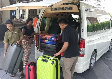 Transfers from BKK and DMK airport to Bangkok and Pattaya with Toyota Commuter
