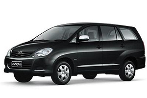 Car with driver. Taxi. Toyota Inova. Transfer from bangkok airport to pattaya